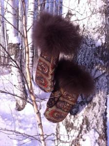 Павлопосадские рукавицы с шоколадным песцом