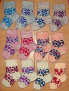 Носочки детские вязаные с узорами