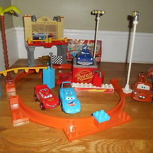 medium-конструктор Mega Bloks Disney Cars