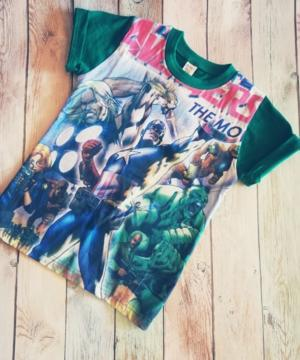 medium-супергеройская футболка